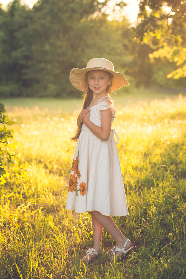 Summer Portrait with a girl in a hat in fort worth tx